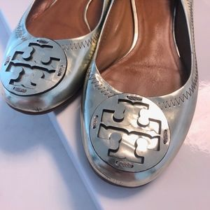 Tory Burch gold/pewter ballet flats 5.5